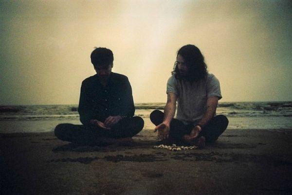 Un Trésors nommé désir de milles éclats &quot&#x3B;adrien&quot&#x3B; le nouvel album de ce groupe français plein de promesses , a écouter sur une île sans sable avec des cailloux rugueux et plein de pirates autour !