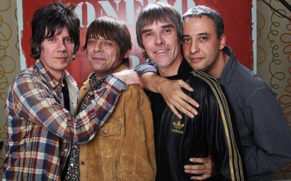 Tous pour un ! Le single All For One ! s'écoute ici 22 ans que les STONES ROSES n'avaient rien sorti la bande de Manchester a repris du service  et mourinho aussi  !