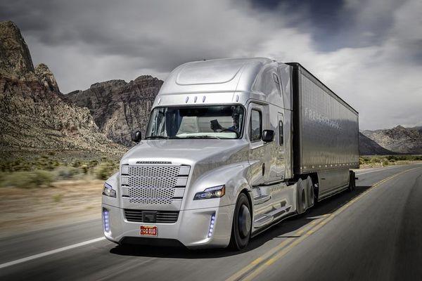 Le premier camion semi-autonome autorisé au USA