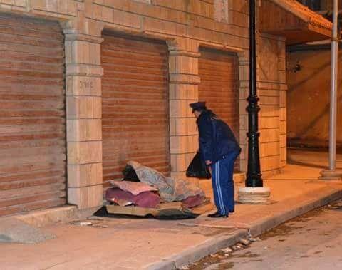 Algérie : Un citoyen vit dans la rue depuis 10 ans !