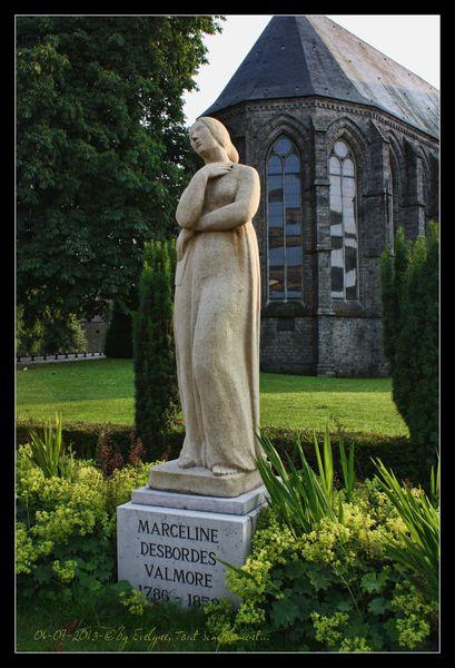 Marceline, surnommée  &quot&#x3B;Notre-Dame des Pleurs&quot&#x3B;.. et la Porte de Valenciennes...