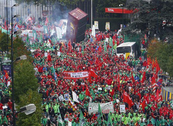 Belgio : impona manifestacio kontraŭ la rigoreco