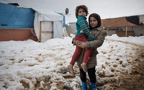 Sirio : arkta ŝtormo afliktas la rifuĝintojn