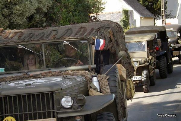 Journées du patrimoine : des véhicules militaires sur la place, route du Trehou..