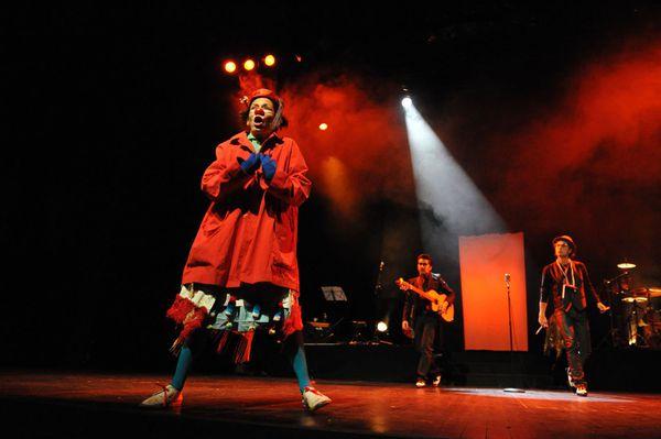 Ana Maria Venegas incarne Paquita de los Colores. Ce spectacle avait été programmé à ST Jory-las-Bloux dans le cadre des Voix de l'Hiver