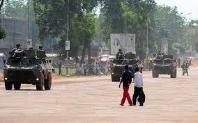 LA FRANCE FAIT LEGITIMER SON PROJET DE SUJETION MILITAIRE DE L'AFRIQUE.
