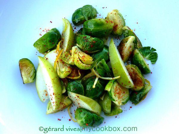 Que faire d'original avec des choux de Bruxelles ?... moi j'en fais une salade croquante gourmande :