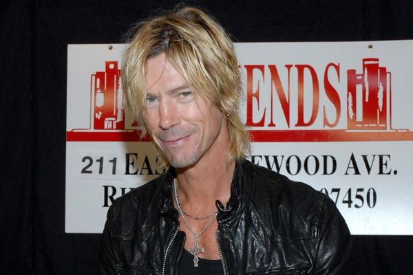 Duff McKagan pourrait écrire la biographie officielle d'Alice In Chains