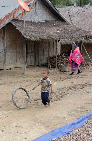 Au fil du Mékong (6) : Images (en sursis) de  la Nam Ou..