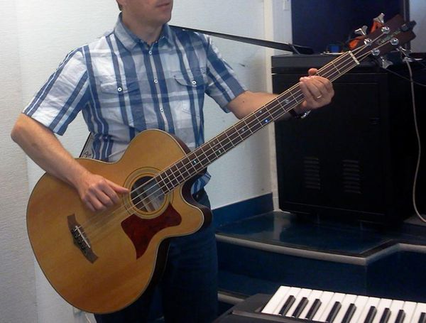 Guitare Basse électro-acoustique Tanglewood 155a