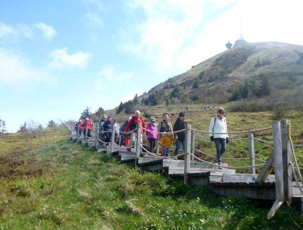 Descente du Puy de Dôme par le sentier des chèvress