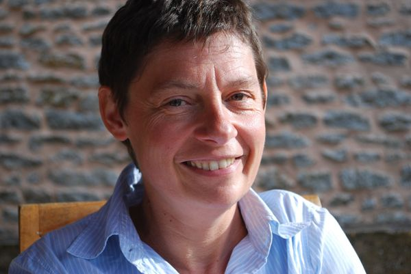 Marie-Hélène Garnier : un« grand déballage » entre poésie et politique