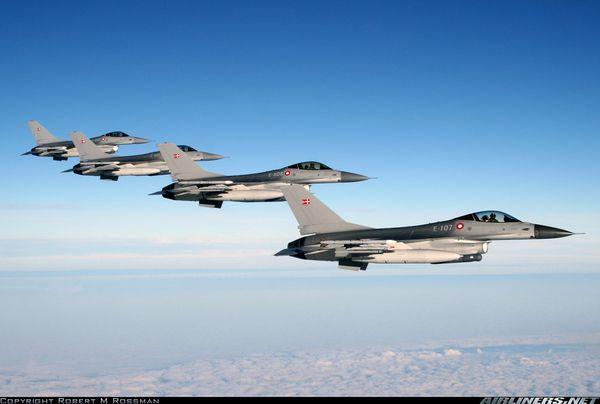 Le Danemark se prépare à envoyer six F-16 dans les pays baltes