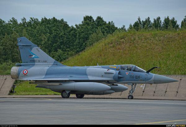 Les Mirage 2000 déployés en Pologne interceptent un appareil russe