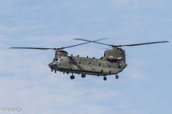 Le Royaume-Uni déploie des hélicoptères Chinook pour ses missions d'aide humanitaire en Irak