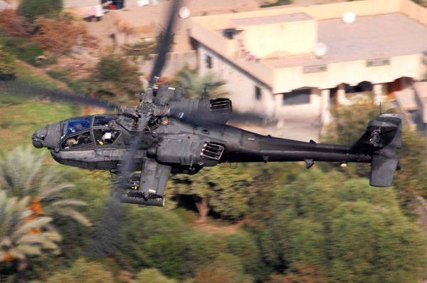L'US Army déploie des hélicoptères AH-64 Apache contre l'Etat Islamique