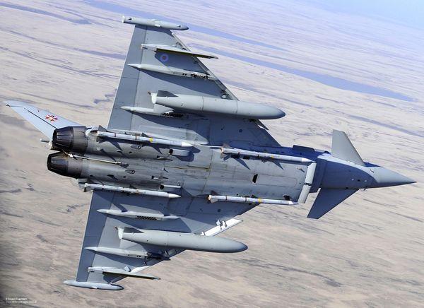 Document audio : Un pilote de chasse anglais entre en contact avec un aéronef qui ne répondait pas à la radio