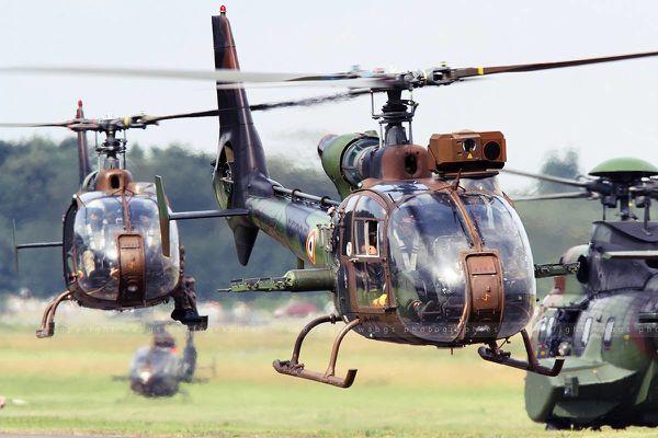 Une Gazelle de l'Armée de Terre a pris en chasse un drone à proximité d'une centrale nucléaire