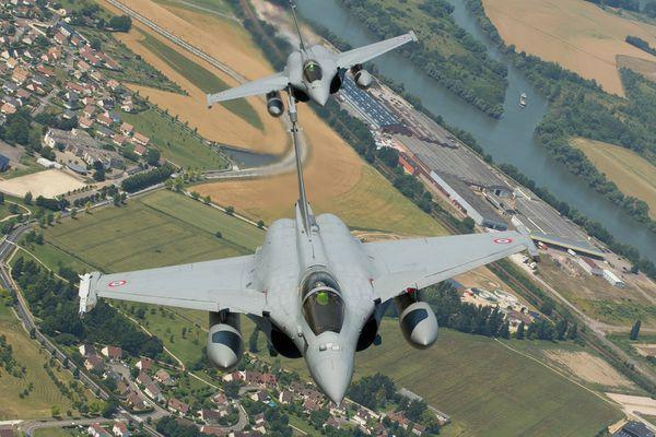 L'Armée de l'Air et la Marine Nationale vont intégrer le suivi de terrain sur les Rafale monoplaces