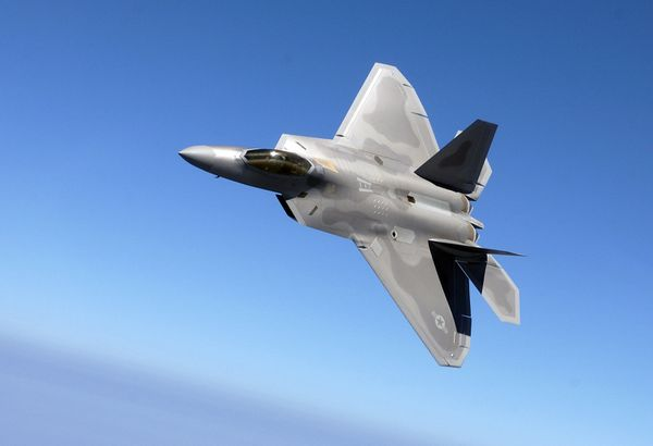 Photo : (c) USAF - Un F/A-22 Raptor du 27th Fighter Squadron