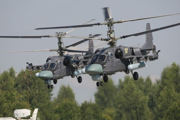 Photo : © Kamov - Deux Ka-52 Alligator en formation.