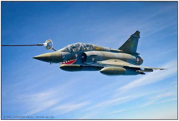 © K. CONGINI / Armée de l'Air - Ravitaillement en vol du Mirage 2000D