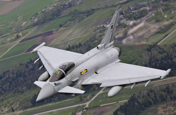 © UK MoD - Un Typhoon de la Royal Air Force engagé sur le front des pays Baltes.
