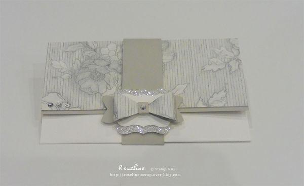 Pochette chic Stampin'up, papier Elégance intemporelle , et vanille. Perforatrice Noeud