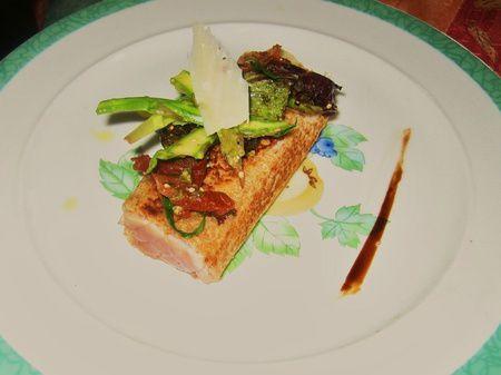 Thon Rouge en croute de pain, petits légumes estivaux ( Nicolas Masse )