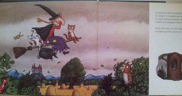 Et hop ! dans les nuages…/ La sorcière dans les airs. Julia DONALDSON et Axel SCHEFFLER. (Dès 3 ans)