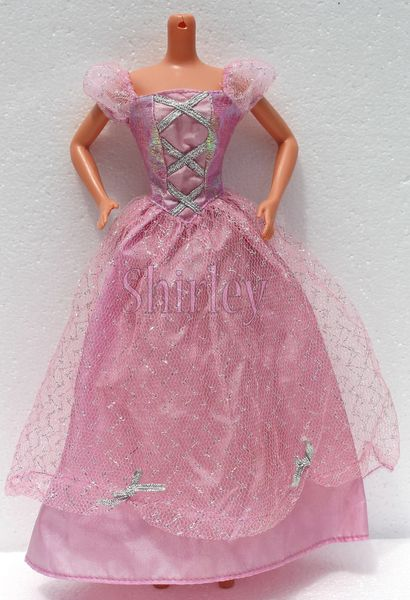VÊTEMENTS BARBIE 1999