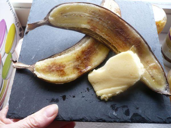 Banane grillée à la cannelle et sorbet mandarine