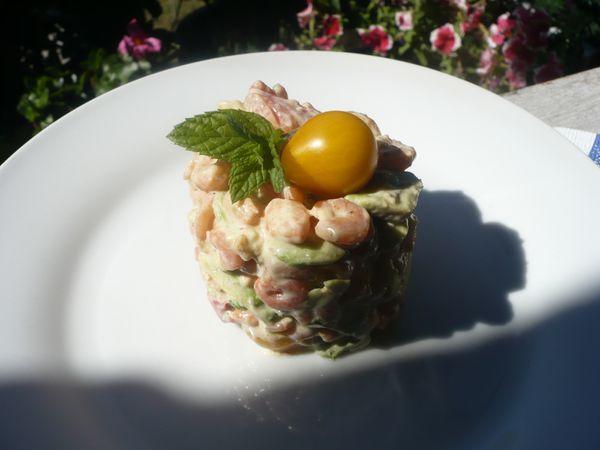 Salade de crevettes roses, avocat et tomates ananas,menthe poivrée