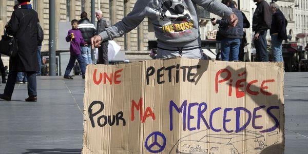 Les Roms à Paris pour dénoncer les clichés contre eux, Happening, France