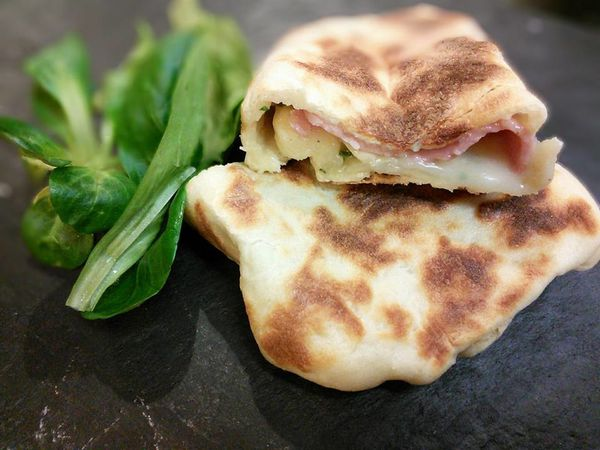 CHEESE NAANS CHEVRE JAMBON