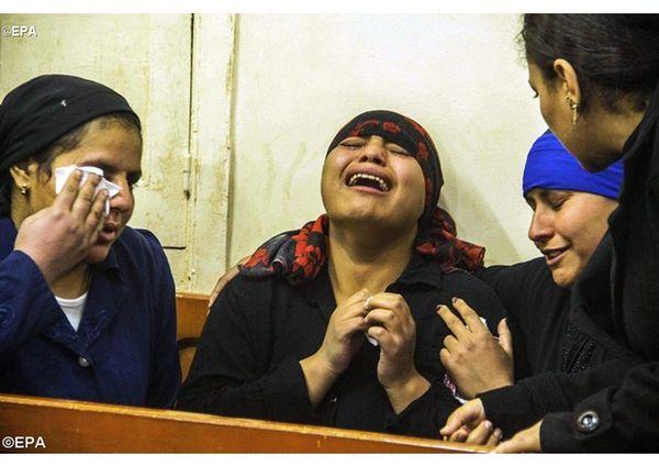Le Pape François pleure les chrétiens coptes assassinés