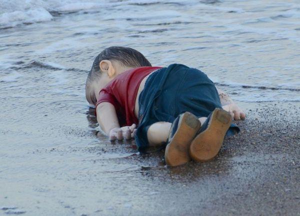 Crise des migrants: l'Europe, face à une photo qui va la hanter, reste divisée