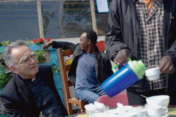 Mgr Pontier à Calais : « La rencontre rend proches »