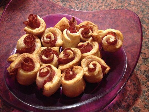 Roses feuilletées au salami