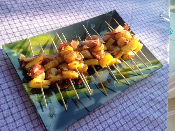 Mini brochettes de Saint-Jacques à l'ananas