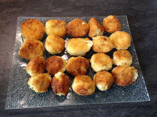 Croquettes de purée fourrées à la mozzarella