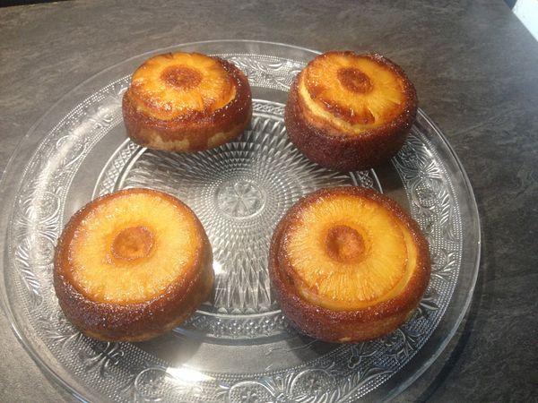 Petits gâteaux ananas, coco et rhum
