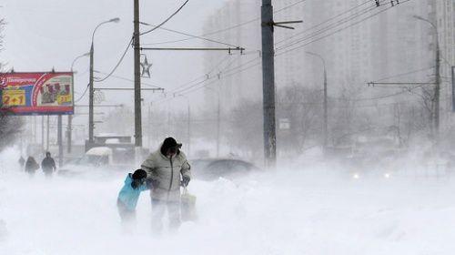 Tempête de neige à Moscou. Un climat qui forge le caractère...