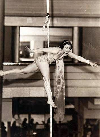 Christiane Gourju dite Chrysis de la Grange (1910-1992), une reine de la corde lisse