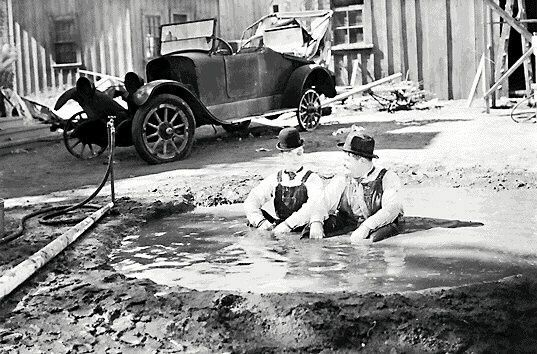 Towed in a hole (George Marshall, 1932)