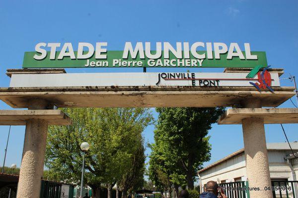 Joinville conserve son stade et peut être fière de son maire, de ses élus et de ses habitants sportifs ou non !