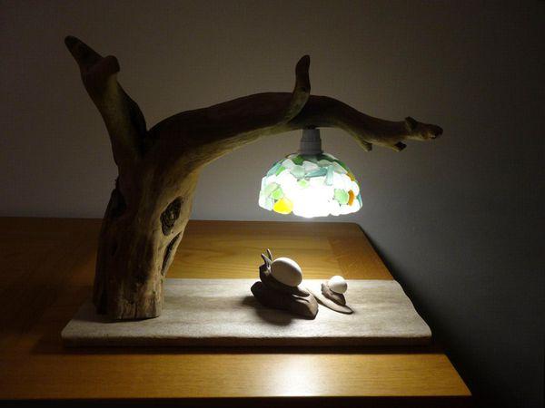 Lampe bois flotté et verres dépolis de Corse