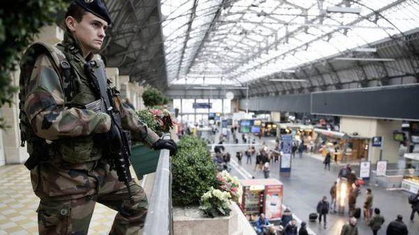 Polémiques franco-française sur les banlieues et le terrorisme