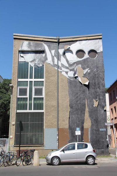 JR - The Wrinkles of the city - Berlin