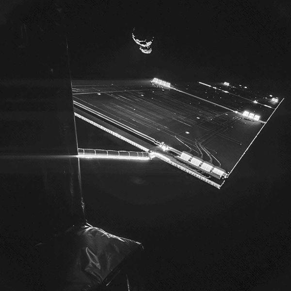 Ein selfi mit dem Kometen 67P/Churyumov-Gerassimenko Quelle ESA